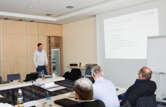 DOLGE-Mitarbeiter Danny Rießner erläutert die grundlegende Herangehensweise an Luftkorrosionsprobleme